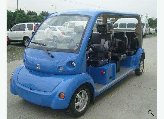 Электрические автомобили для гольфа и осмотра достопримечат в Москве