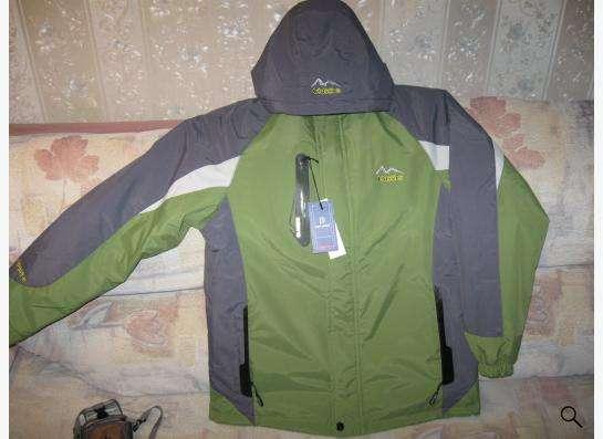 куртка демисезонная можно использовать как горнолыжку.
