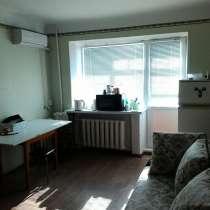 Продаю комнату 17 кв. м. с балконом в общежитии коридорного, в Волгограде