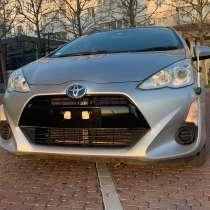 Продам автомобиль Toyota Aqua, в Новороссийске