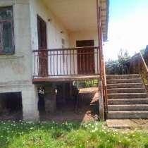 Продам два дома на одном участке, площадью 1.3 га, в г.Поти