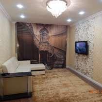 Продам 2 х комн квартиру у метро, в Москве