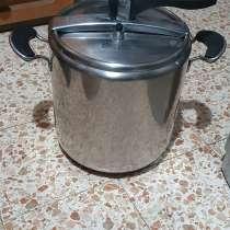 Кастрюля-скороварка 9 литров. Италия. Не. рж, в г.Хайфа