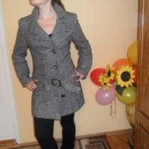 Пальто 44-46 размер, в Омске