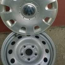 Комплект дисков с колпаками на фольксваген R15,состояние отл, в Глазове
