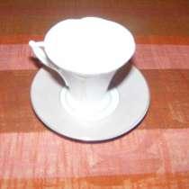 Чашка фарфоровая с блюдцем, в Москве