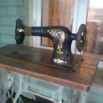 Продам старинную швейную машинку с ножным управлением, в г.Петропавловск
