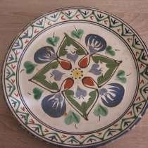 Керамическое блюдо восточной росписи, в Сочи