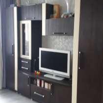 Продам стенку в гостинную и тумбу-камод в отличном состояни, в Воронеже