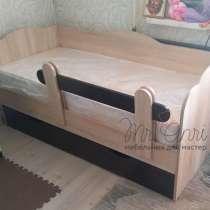 Кровать детская с ящиками для белья и бортом, в Челябинске