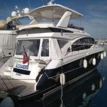 Яхта Princess F52, в г.Актау