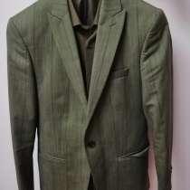 Продаю платья и костюм, в г.Астана