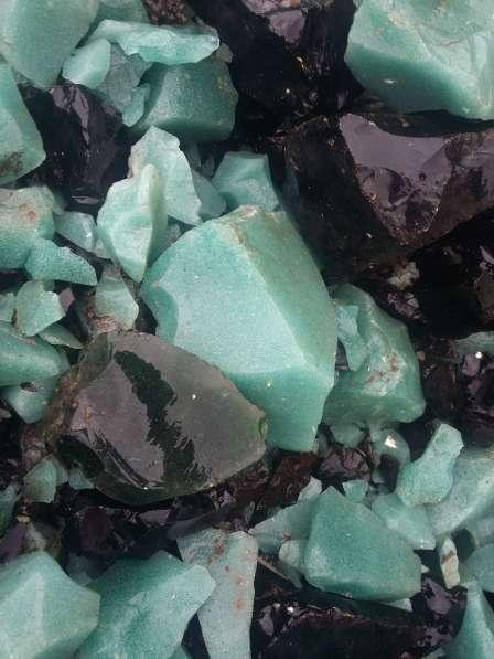 Продаю стеклянные камни разных цветов