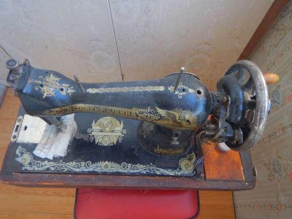 Антикварная швейная машинка типа в Москве фото 3