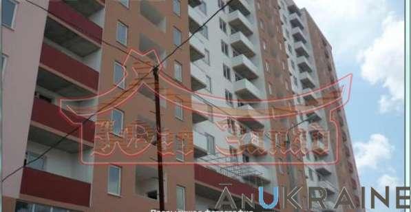 Продам трехкомнатную квартиру в жил массиве Радужный