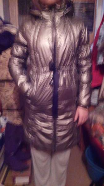 Продам весеннее пальто AKOOLA