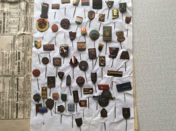 Коллекция. Значки и медали. 4000 шт в фото 3