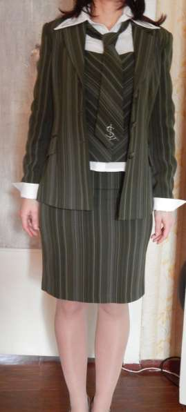 Костюм деловой (юбка, брюки, жилет, пиджак, блуза, галстук)