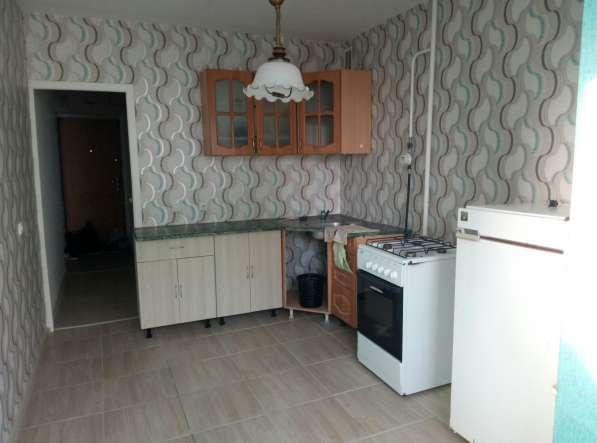 Сдаю 2-комнатную квартиру с мебелью на длительный срок в Уфе