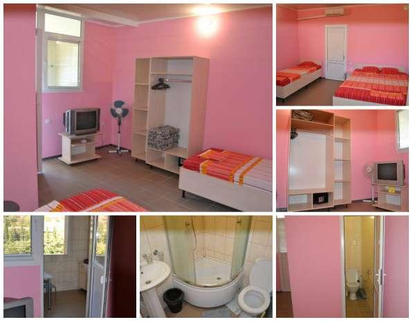 Номера (комната, кухня,сан.узел-в каждом) для отдыха в Крыму в Алуште фото 5