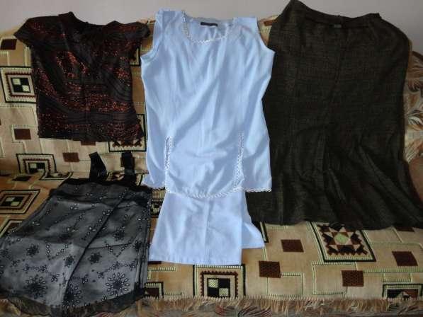 Пуховик, куртка осен. женская в Новосибирске