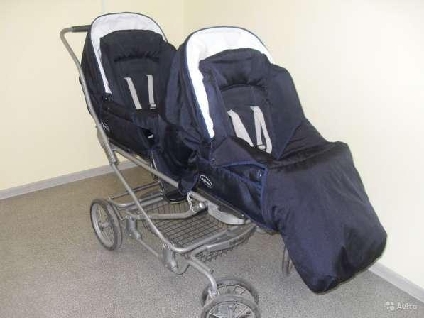 Продаю коляску для двойняшек Inglesina!