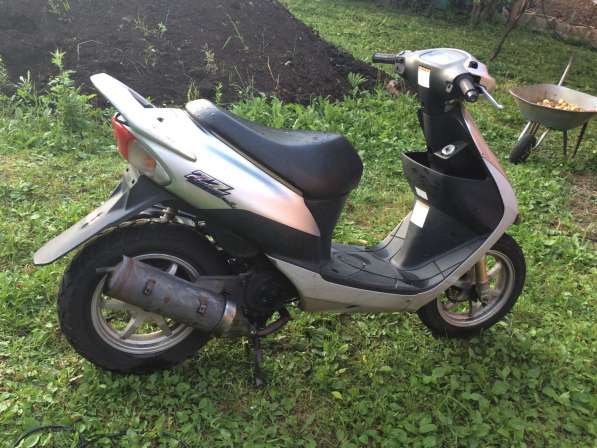 Продаю скутер Suzuki