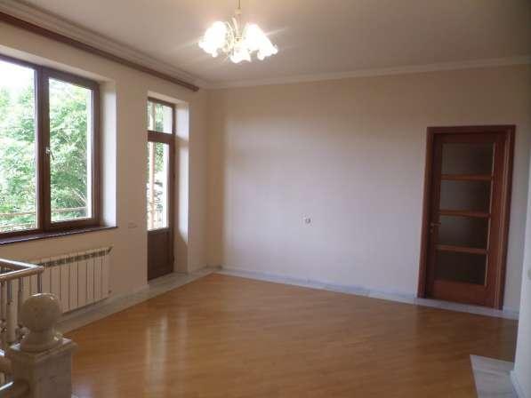 Арабкир, красивый дом, бассейн, 3 спальни в фото 12