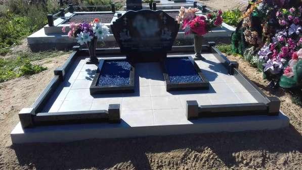 Благоустройство могил и установка памятника Солигорск в фото 5