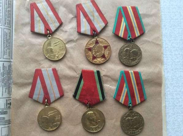 Коллекция. Значки и медали. 4000 шт в фото 5
