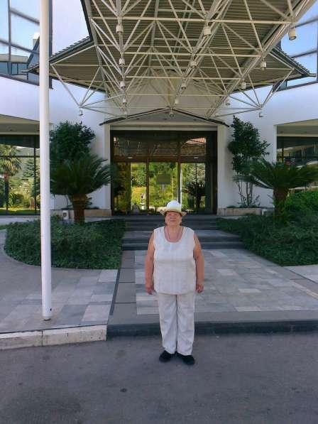 НИНА ТЕРЕНТЬЕВНА, 76 лет, хочет познакомиться