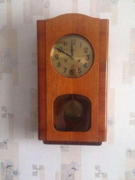 Часы настенные продаю