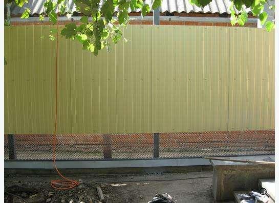 Заборы из профнастила, сетки Рабица, решетчатые. в Краснодаре фото 7