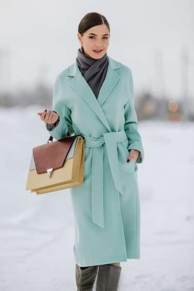 Стильные уютные пальто из натуральных и смесовых тканей 2019 в Новосибирске фото 9