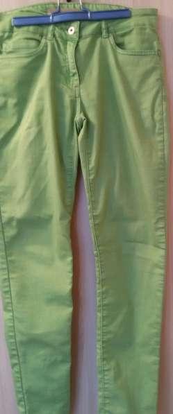 Джинсы зелёные, р-46