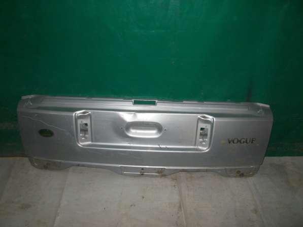 Нижняя часть крышки багажника Land Rover Voque