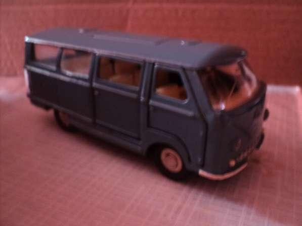 Масштабная модель автомобиля РАФ