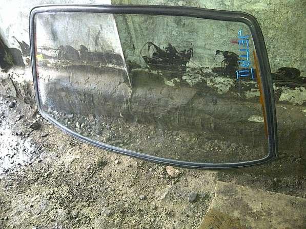 VW Jetta-II стекло кузовное заднее
