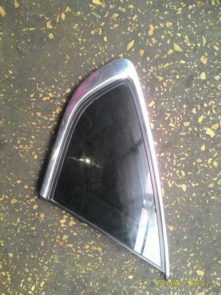 Заднее правое стекло на Nissan Teana-83300JN22C