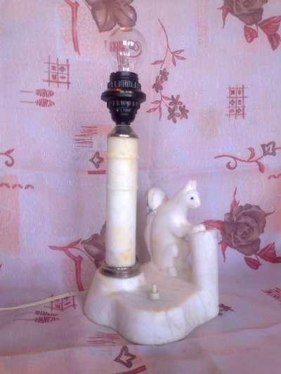 Мраморная раритетная настольная лампа с