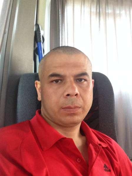 Ikromjon, 38 лет, хочет познакомиться