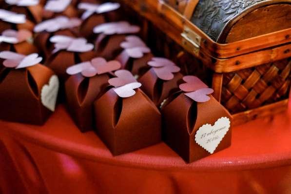 Свадебные и праздничные аксессуары