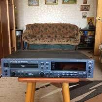 Профессиональный рекордер Tascam CD-RW901SL-обмен, в г.Саратов