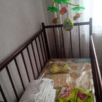 Продам кроватку с матрасом, в Красноярске