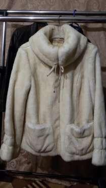 Продается меховая куртка. Размер 44-46. Рост 170, в Москве