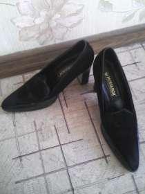 Две пары туфель на каблуке чёрного цвета.38 размера, в г.Самара