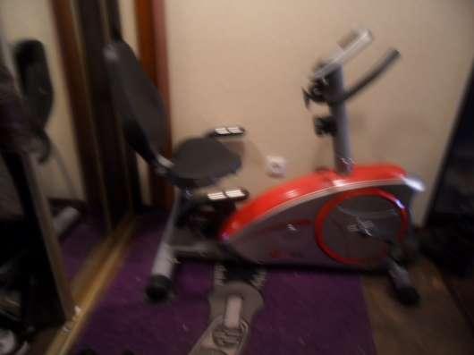 Велотренажер со спинкой
