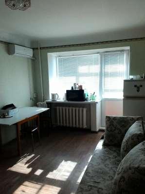 Продаю комнату 17 кв. м. с балконом в общежитии коридорного