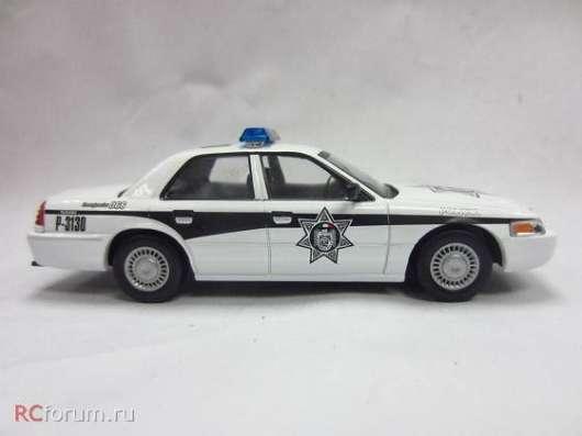 Полицейские машины мира №36 FORD CROWN VICTORIA