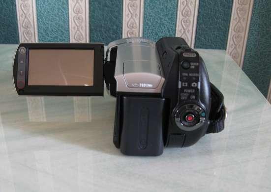 Продам цифровую видеокамеру Sony DCR-SR45 в г. Мариуполь Фото 1